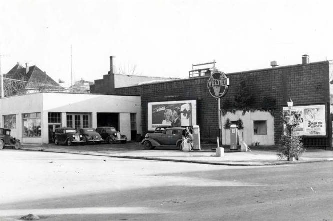 item thumbnail for Veltex service station at SE 5th and Main Street [01]