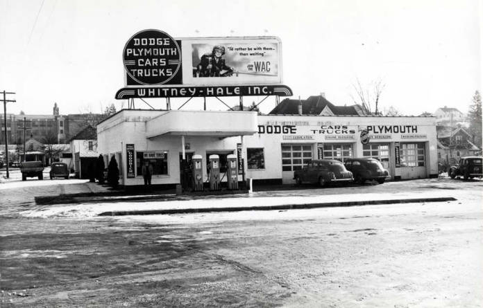 item thumbnail for Whitney-Hale Inc. service station at corner of SE 4th and Main Street