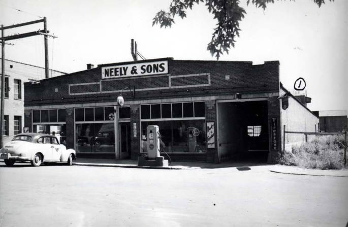 item thumbnail for Neely & Sons service station at S 4th St