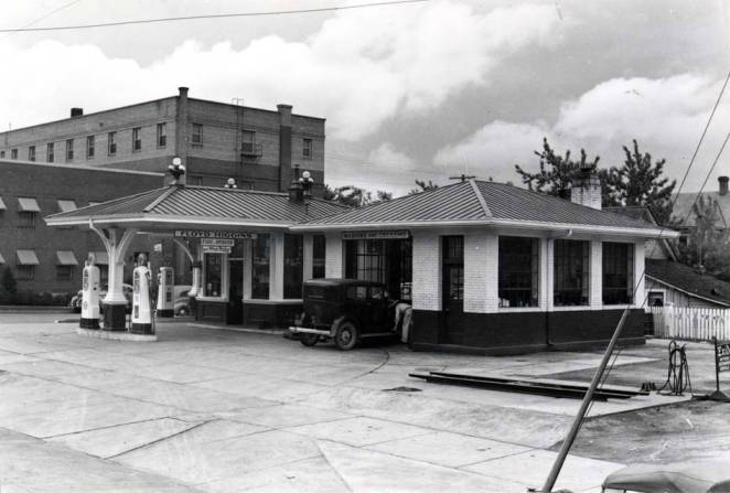 item thumbnail for Service station at SW 3rd and Jackson