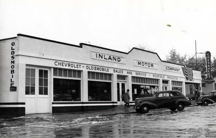 item thumbnail for Inland Motor Company auto dealership at N 2nd St & Washington St