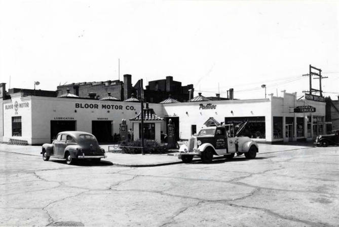 item thumbnail for Bloor Motor Company auto dealership at SW 2nd St & Washington St