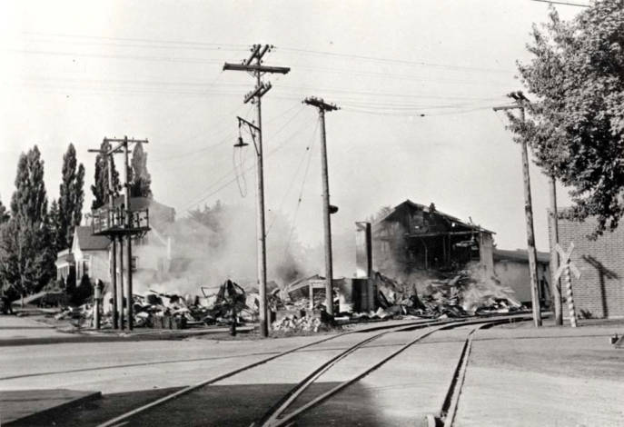 item thumbnail for Washburn-Wilson Seed Company after the July 7 fire in Moscow