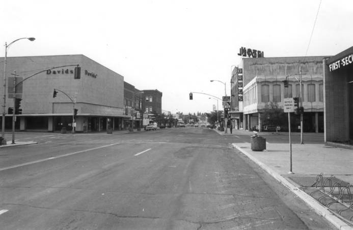 item thumbnail for Looking south at Main Street with Third Street in the foreground