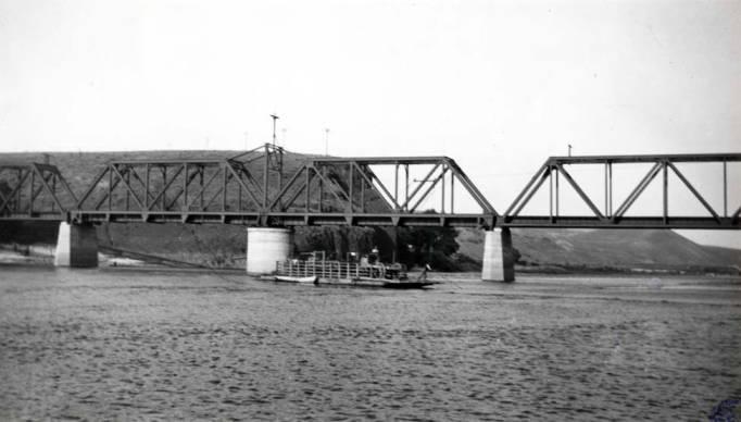 item thumbnail for Railroad bridge