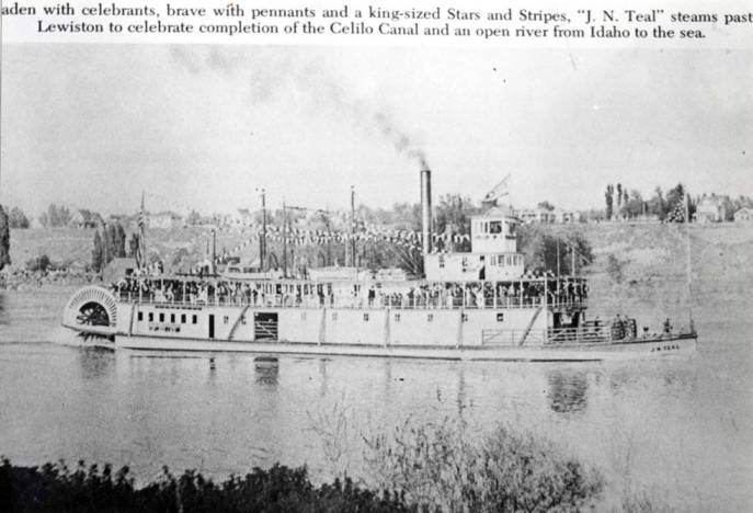item thumbnail for Riverboat near Lewiston to celebrate opening of Celilo Canal