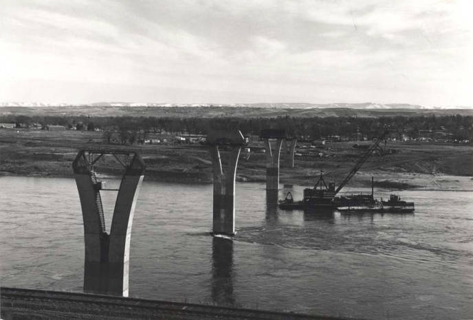item thumbnail for Bridge support columns in Snake River