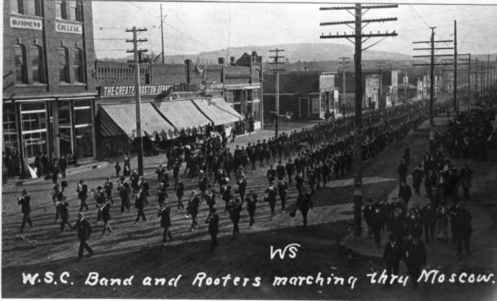 item thumbnail for W.S.C. Band and Rooters marching thru Moscow