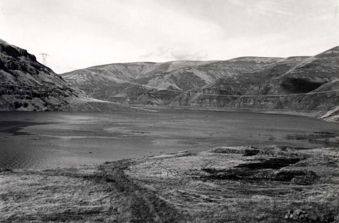 item thumbnail for Waters rising on the Snake River when gates closed at Lower Granite Dam