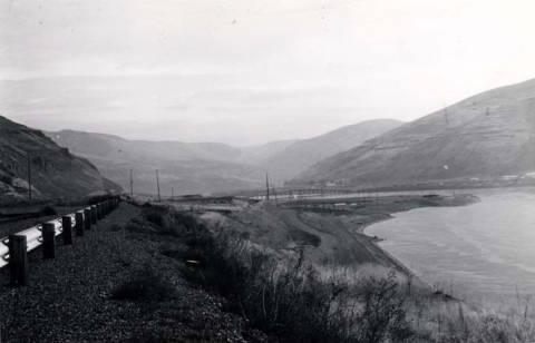 item thumbnail for Lower Granite Dam [03]