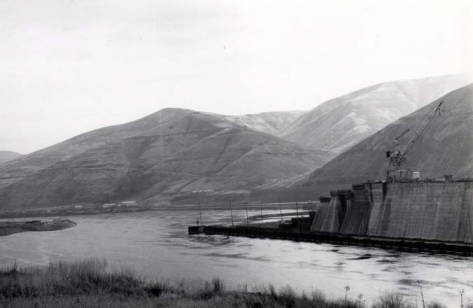 item thumbnail for Lower Granite Dam [01]