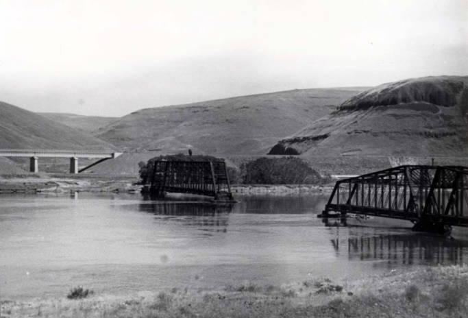 item thumbnail for Railroad bridge near Riparia, being razed for backwater from Lower Monumental Dam