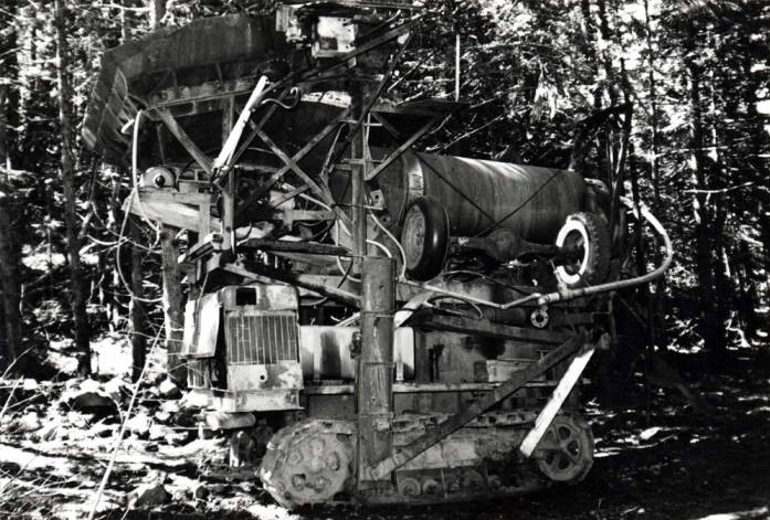 item thumbnail for Gold salvaging machinery at Gold Creek [01]