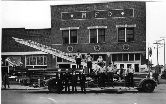 item thumbnail for Moscow Fire Department firemen on hook and ladder truck