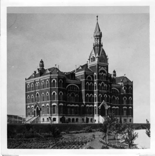 item thumbnail for University of Idaho Administration Building [02]
