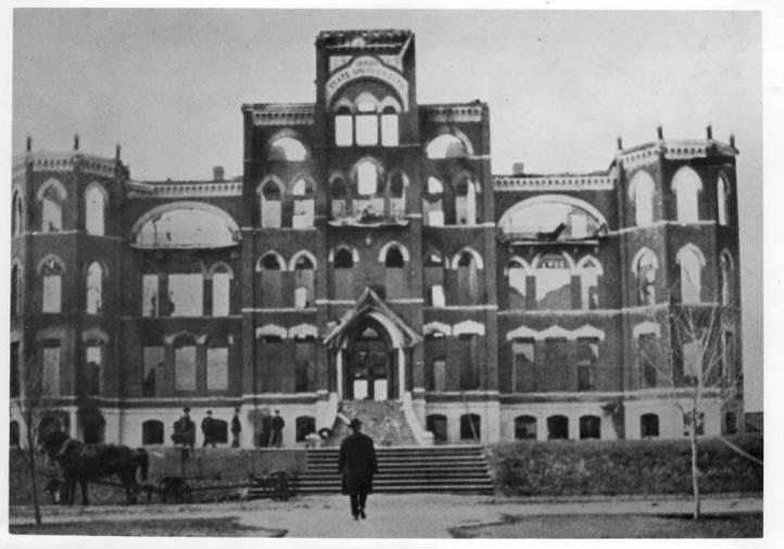 item thumbnail for University of Idaho Administration Building [06]