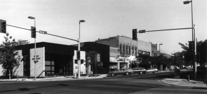 item thumbnail for Northwest corner of Third and Main streets showing First Security Bank