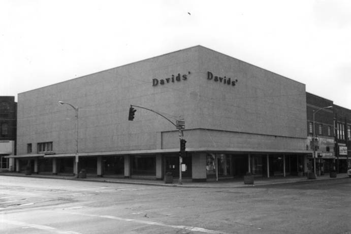 item thumbnail for Davids' building vacated after Fargo Wilson Wells went bankrupt