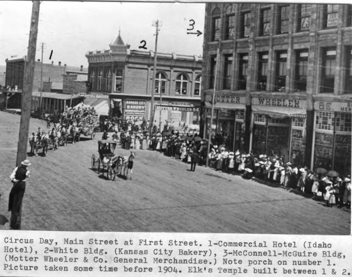 item thumbnail for Circus Day on Main Street at First Street