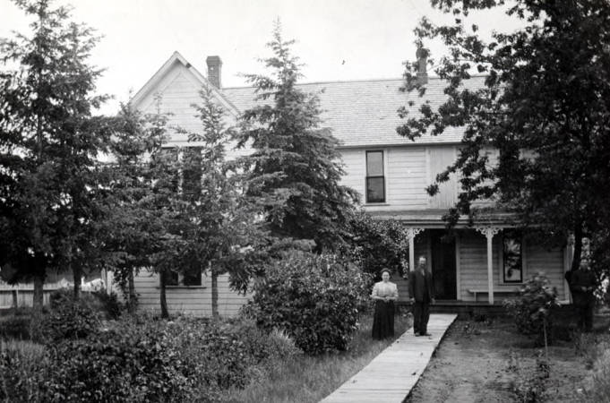 item thumbnail for Old Latah County home, prior to being vacated in 1957