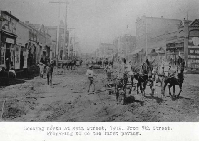 item thumbnail for Looking north at Main Street, 1912 [01]