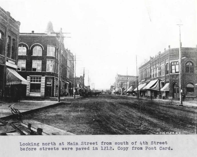 item thumbnail for Looking north at Main Street, 1912 [02]