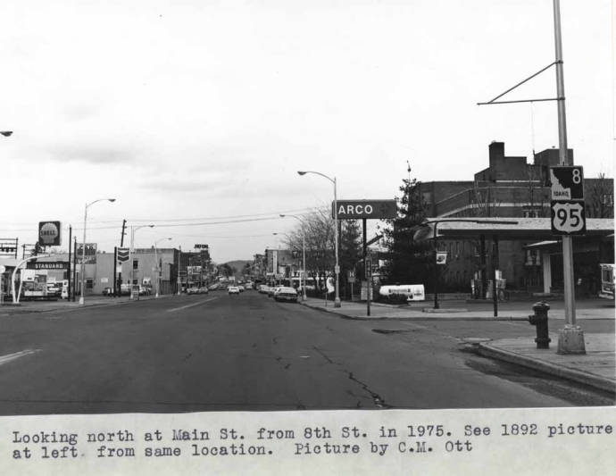 item thumbnail for Looking north at Main Street from Eighth Street in 1975 [01]