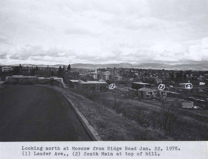 item thumbnail for Looking north at Moscow from Ridge Road