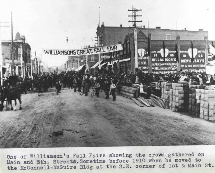 item thumbnail for One of Williamson's Fall Fairs in Moscow