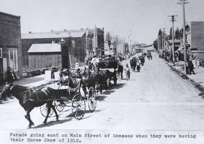 item thumbnail for Parade going east on Main Street in Genesee [01]