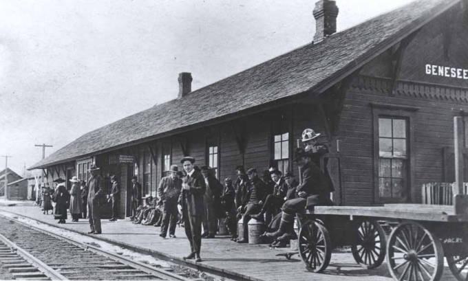 item thumbnail for Railroad depot in Genesee