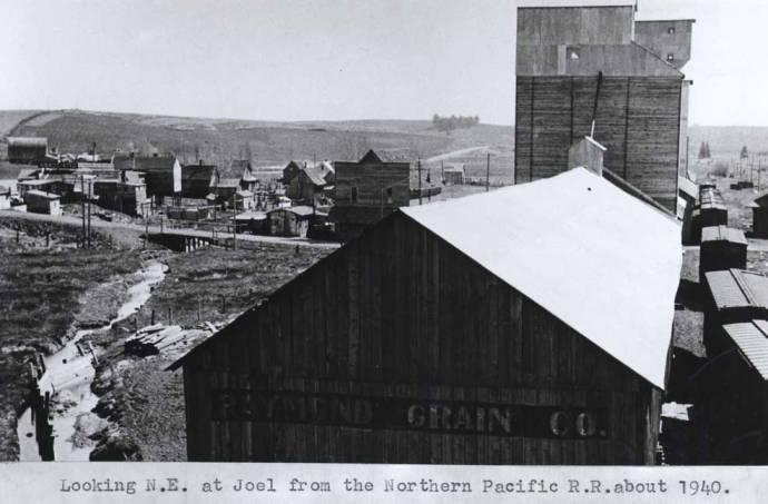 item thumbnail for Looking northeast at Joel, circa 1940 [02]