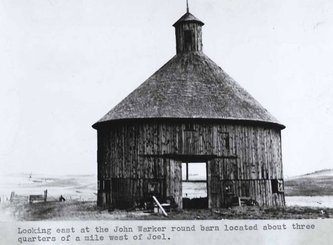 item thumbnail for Looking east at the John Warker round barn