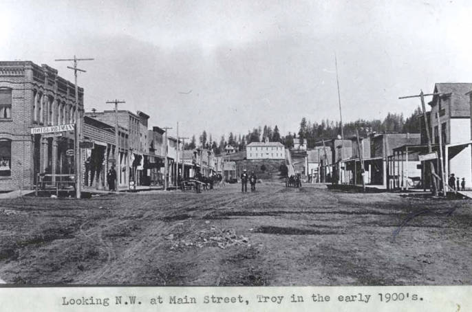 item thumbnail for Looking northwest at Main Street in Troy