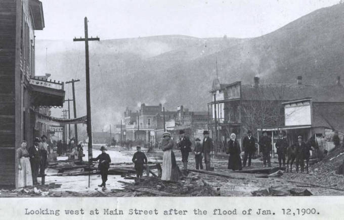 item thumbnail for Looking west at Main Street in Kendrick [02]