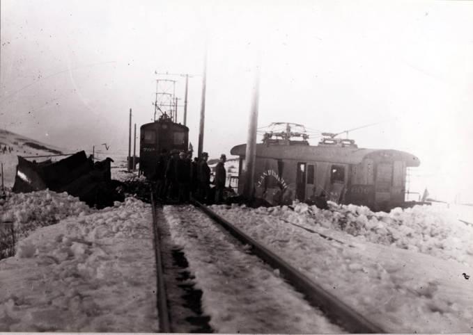 item thumbnail for Train wreck [03]