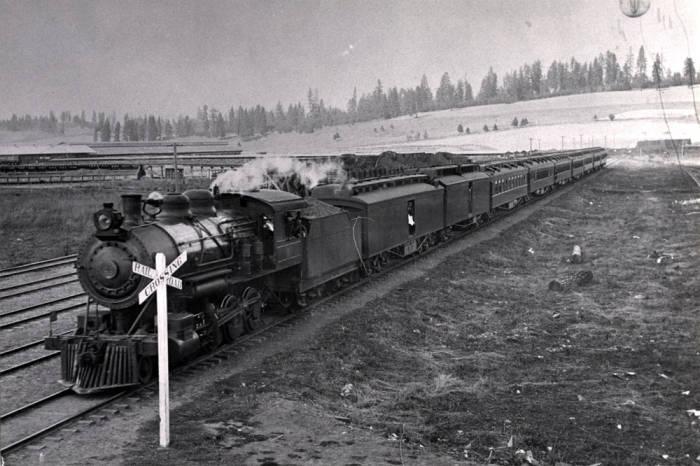 item thumbnail for Passenger train. Potlatch.