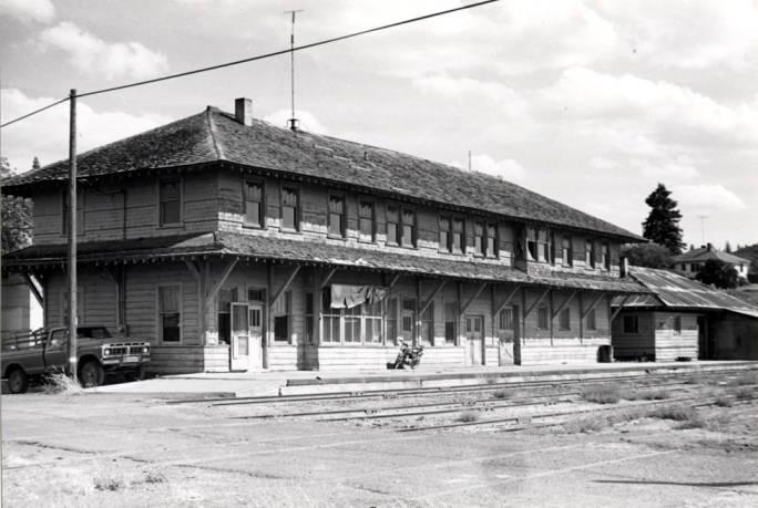 item thumbnail for W.I.& M. [Washington, Idaho & Montana Railway] depot in Potlatch