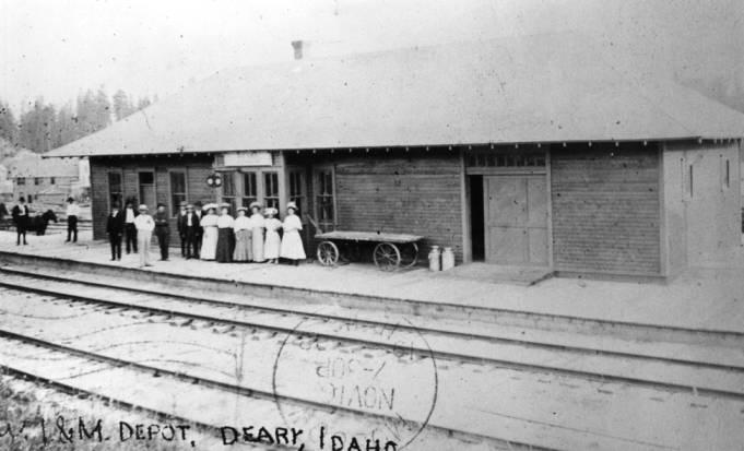 item thumbnail for Washington, Idaho & Montana Railway depot in Deary