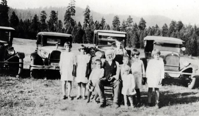item thumbnail for Ivor Swenson with grandchildren
