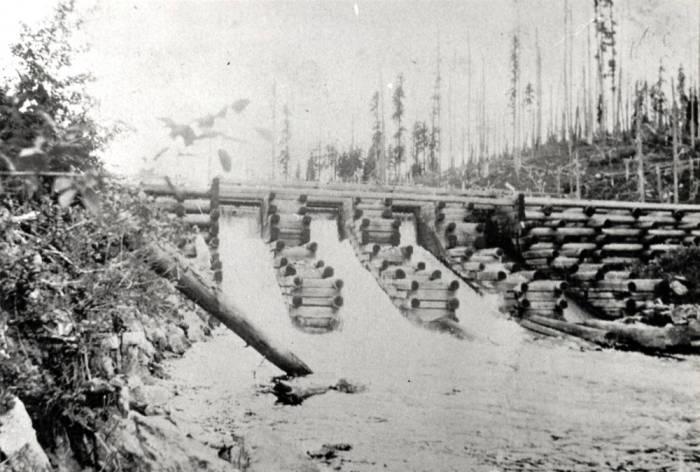 item thumbnail for Potlatch Lumber Company mill pond dam in Elk River