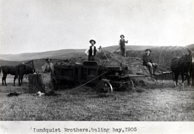 item thumbnail for Lundquist brothers baling hay [01]