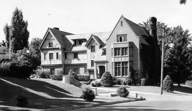 Phi Gamma Delta | Phi gamma delta, Fraternity house