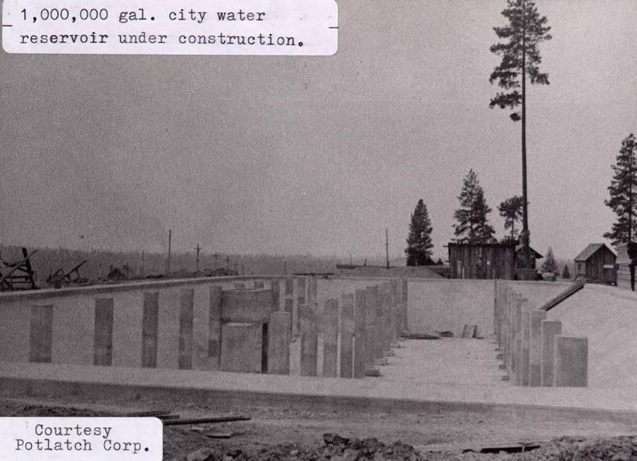 item thumbnail for Water Reservoir Construction