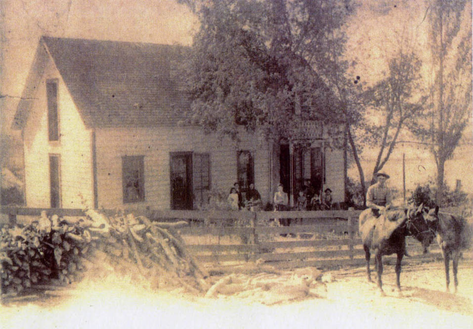 item thumbnail for Lynd Deep Creek homestead with family
