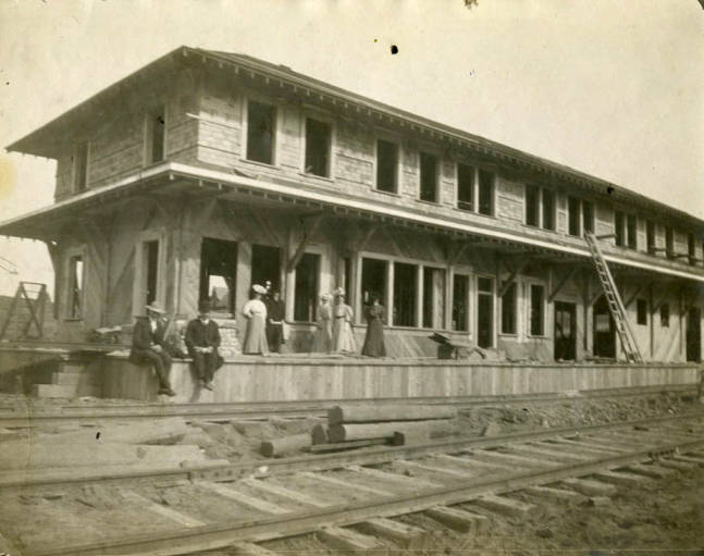 item thumbnail for W.I & M depot during construction