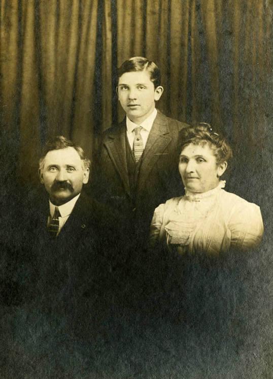 item thumbnail for Nirk Family portrait