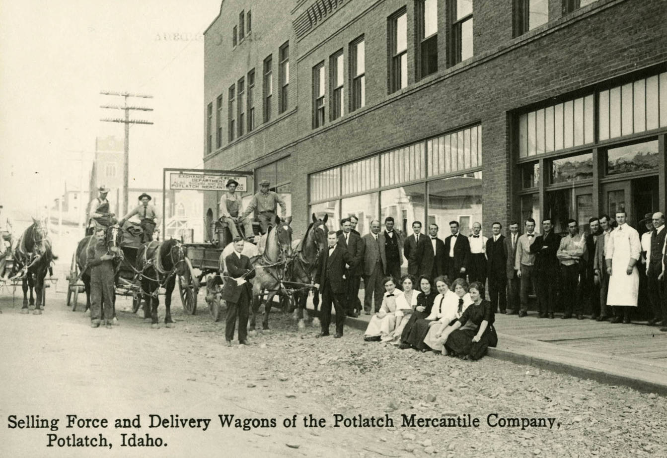 item thumbnail for Selling force and delivery wagons of the Potlatch Mercantile Company