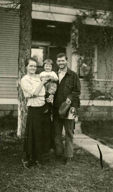 item thumbnail for Bysegger family portrait