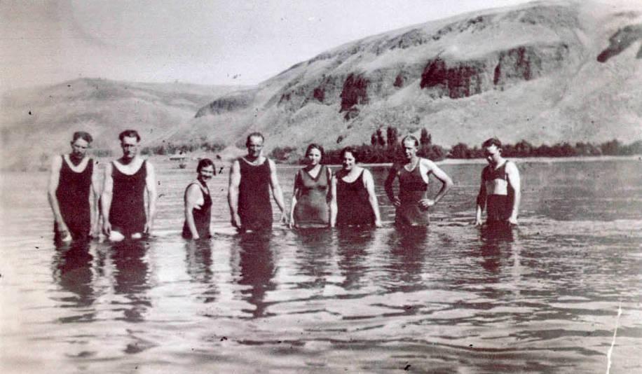 item thumbnail for Swimming in Snake River